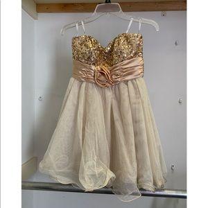 Gold short dress size 5
